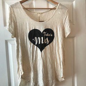 Future Mrs. 👰🏼💍 T-Shirt